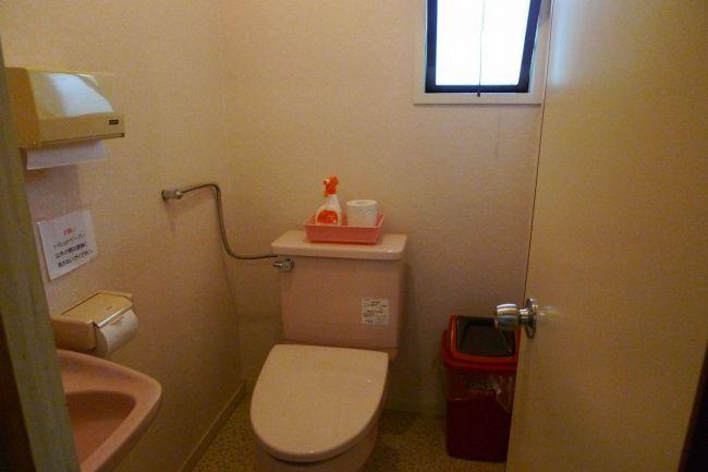 2F トイレ-1